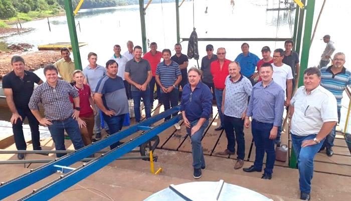 Piscicultura: Prefeitos de Santa Catarina visita projetos de tanques-rede do Procaxias